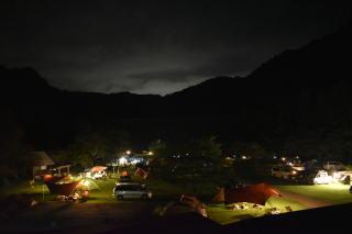 キャンプ場の夜景